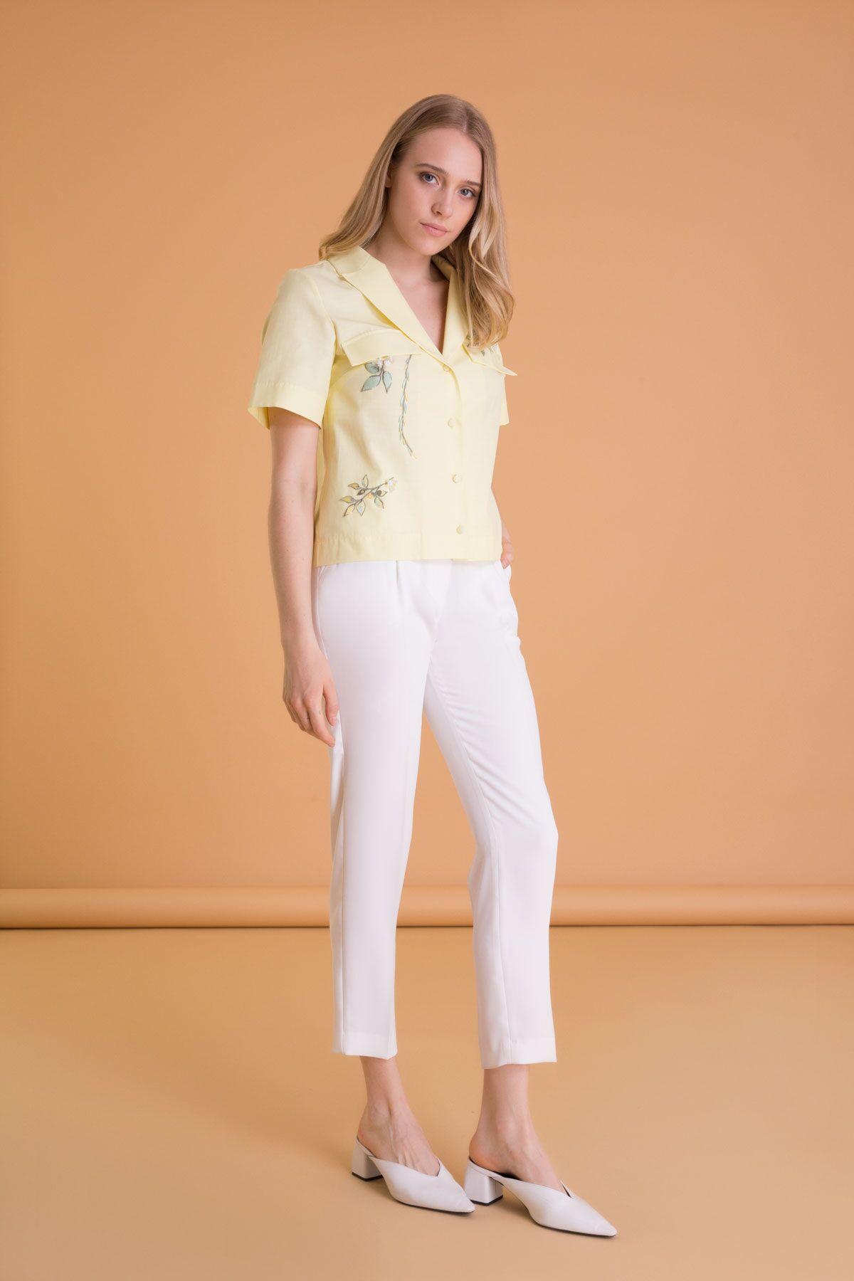 İşleme Detaylı Kısa Kollu Crop Gömlek