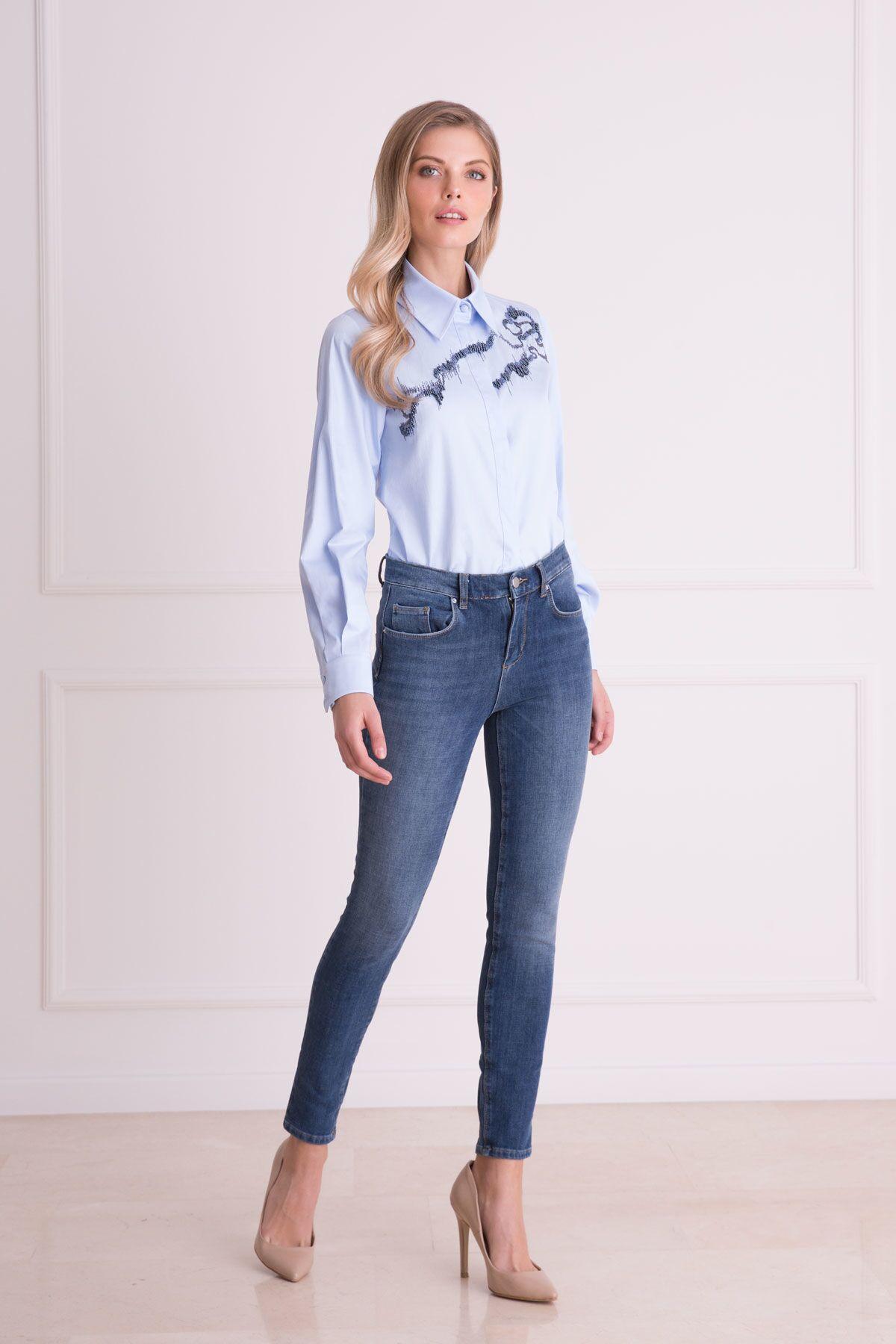 İşleme Detaylı Mavi Uzun Kollu Gömlek