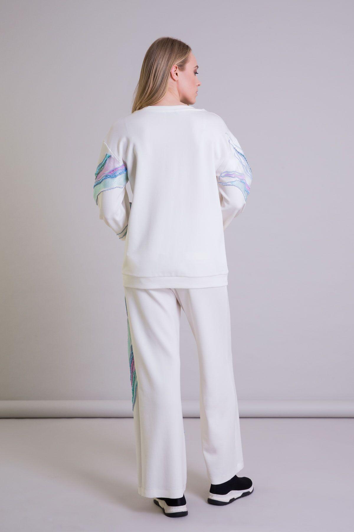 İşleme Detaylı Oversize Kapüşonlu Ekru Sweatshirt