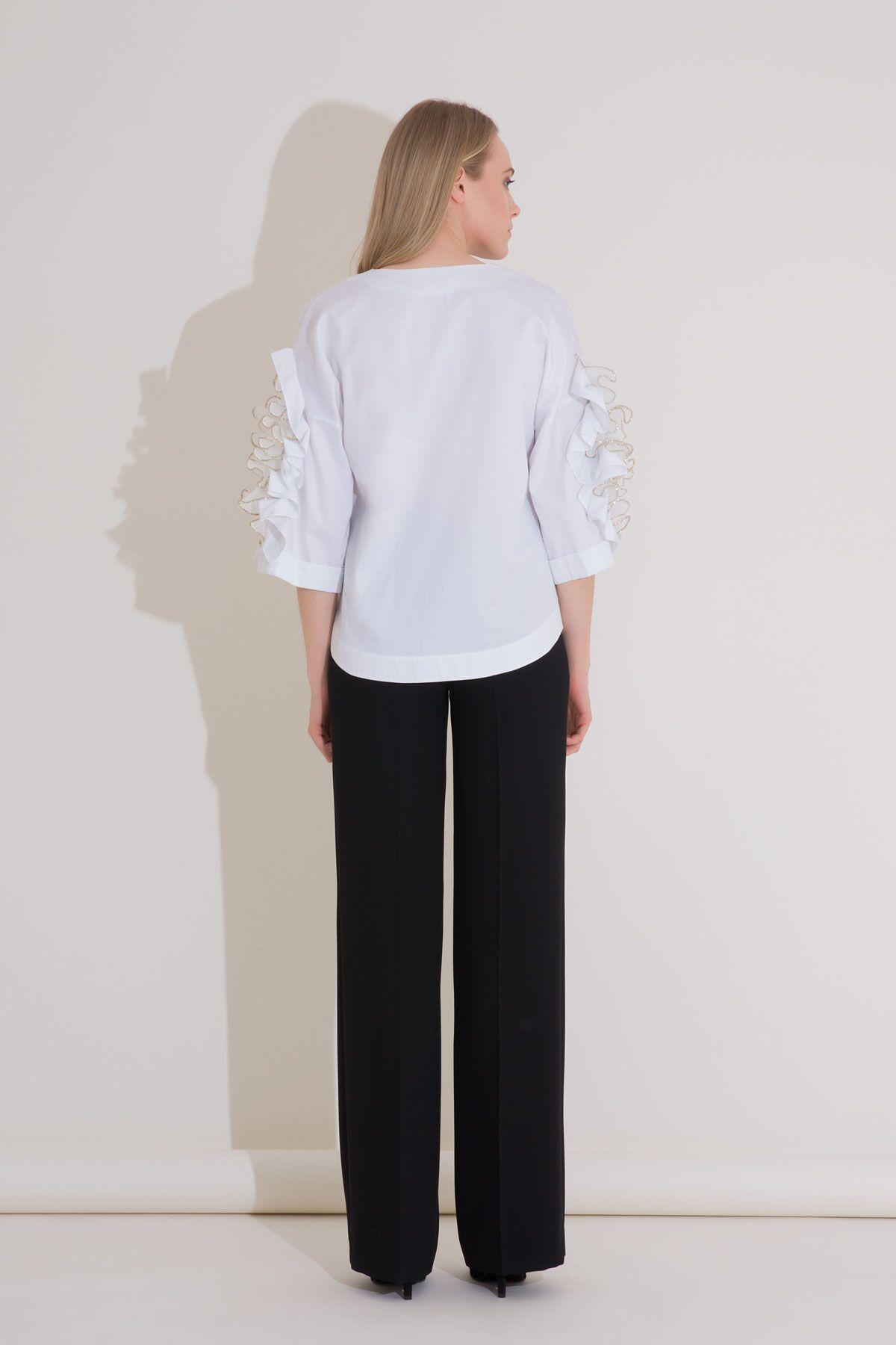 İşleme ve Fırfır Detaylı Beyaz Poplin Bluz