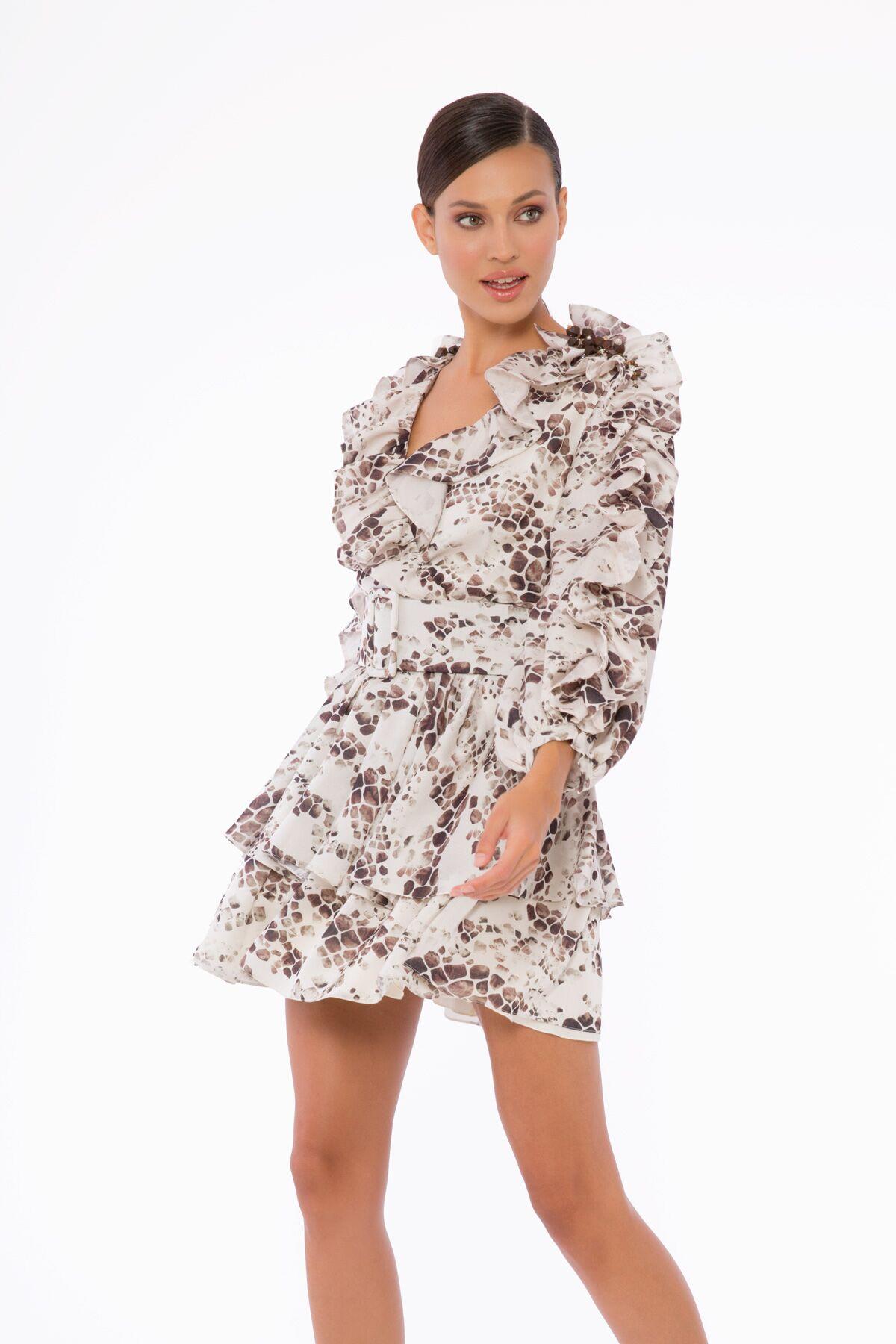 İşleme Ve Fırfır Detaylı, Kemerli, Katlı Etekli Büzgülü Mini Elbise