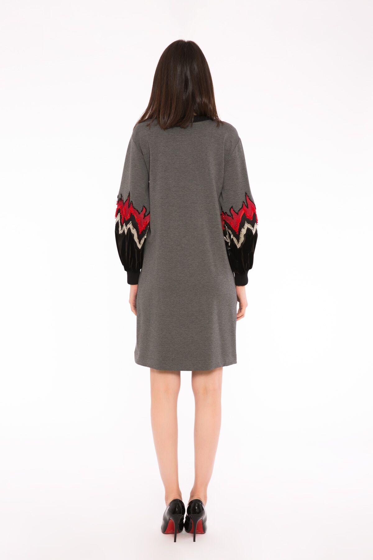 İşlemeli Aplike Nakış Detaylı Sweatshirt Elbise