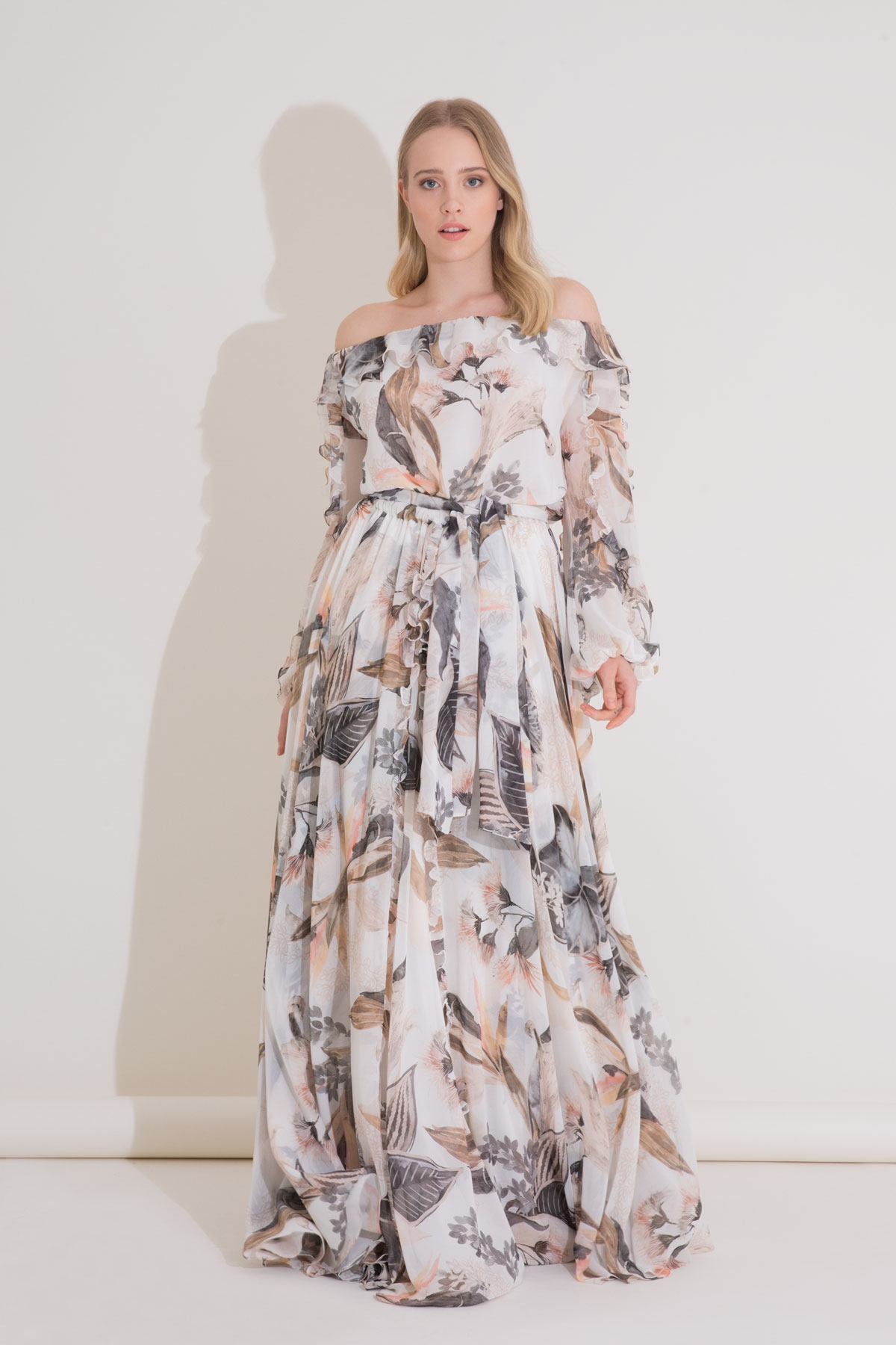 Kayık Yaka, Çiçek Desenli Şifon Uzun Elbise