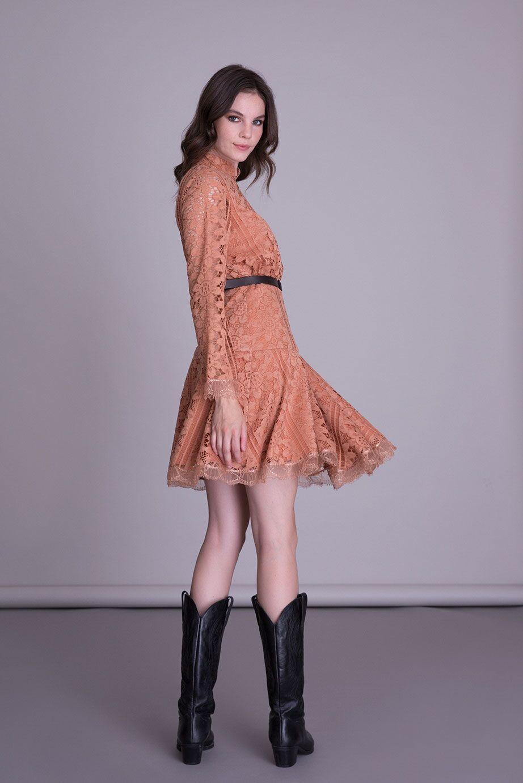 Kemer Detaylı Somon Rengi Dantel Kloş Elbise