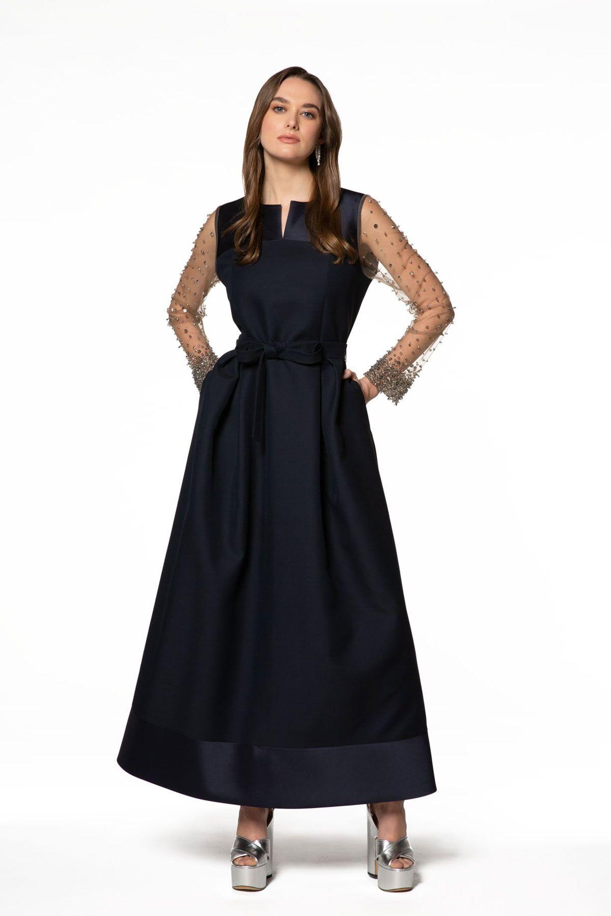 Kolları Taş İşleme Detaylı Uzun Elbise