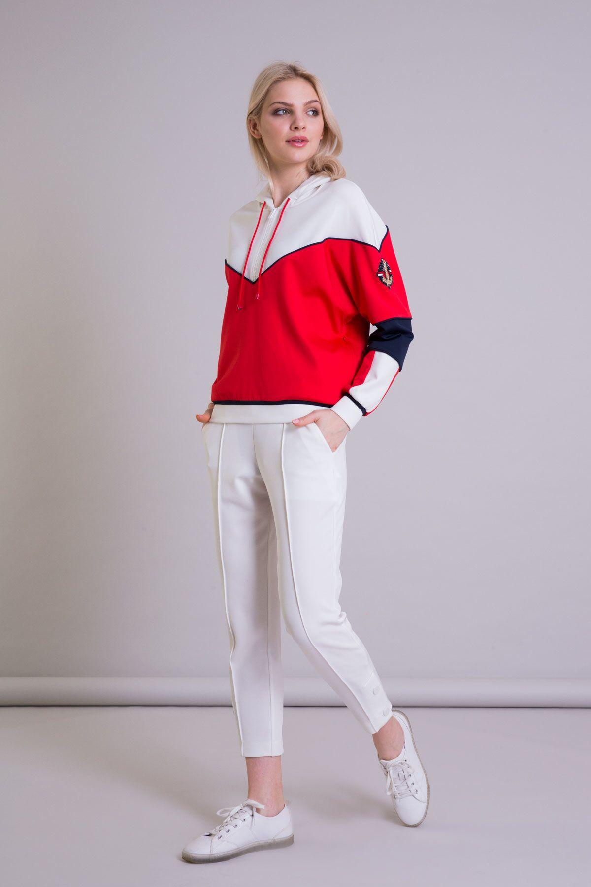 Kontrast Renkli Arma Detaylı Kapüşonlu Sweatshirt