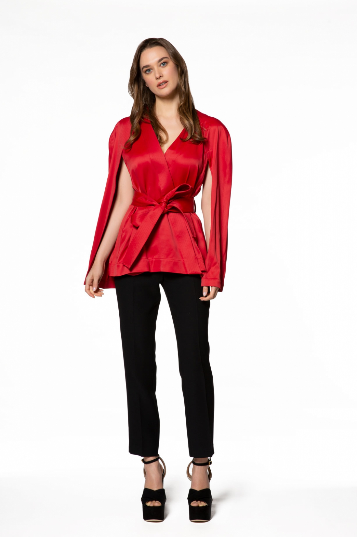 Kuşak Ve Omuz Detaylı Kırmızı Ceket