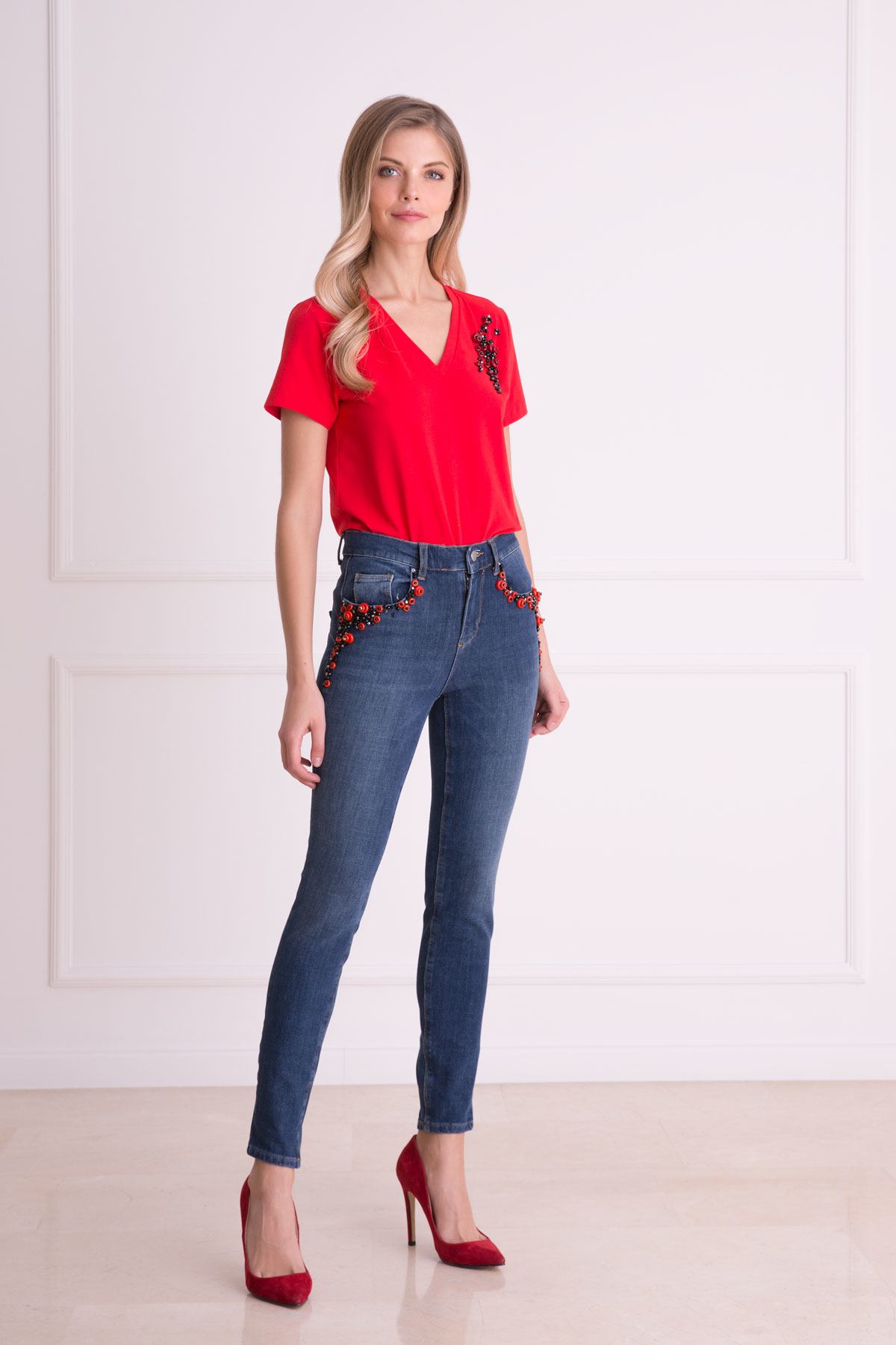 İşleme Detaylı Kırmızı T-Shirt