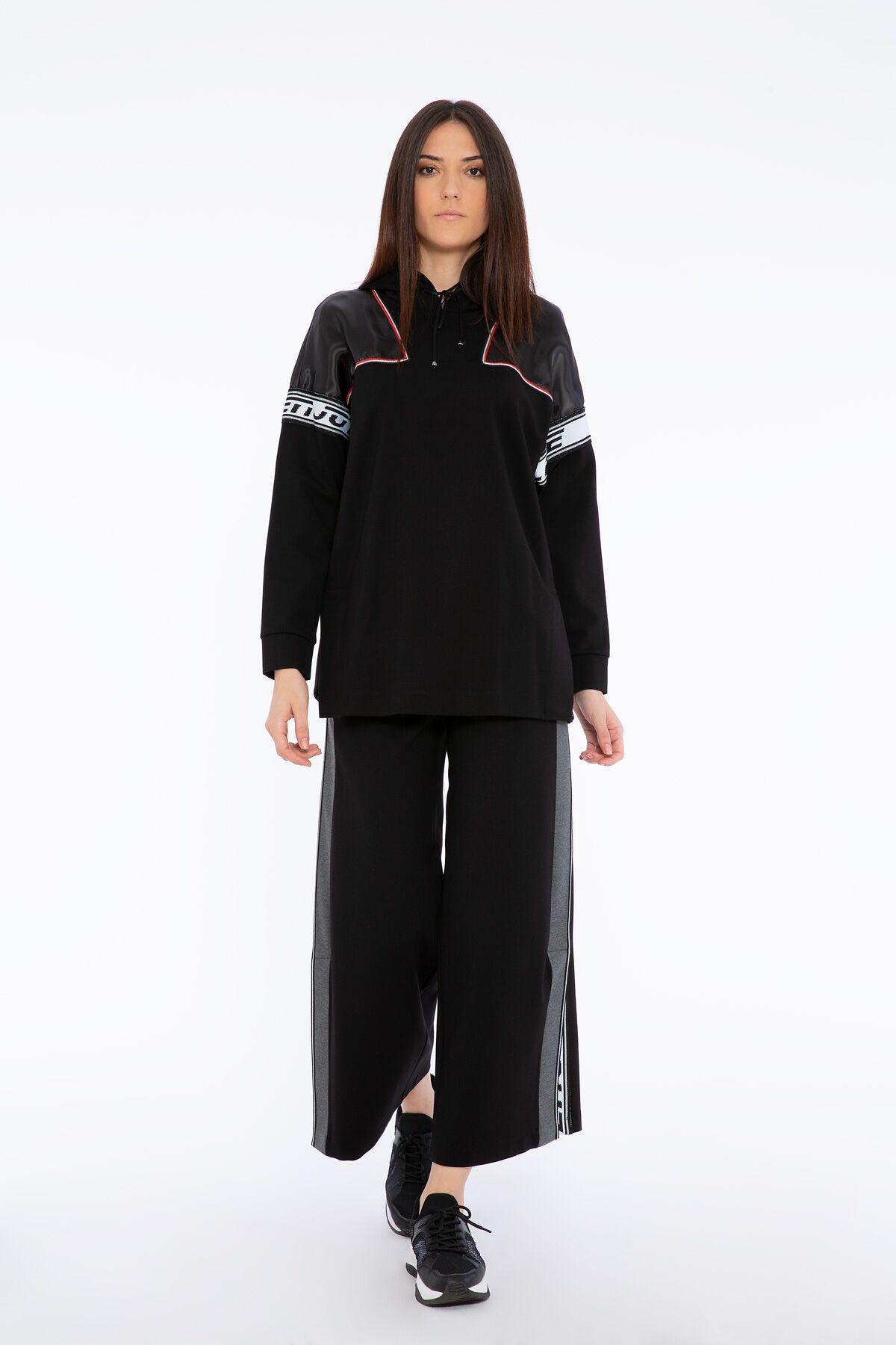 Transparan Omuz ve Şerit Detaylı Siyah Kapüşonlu Sweatshirt