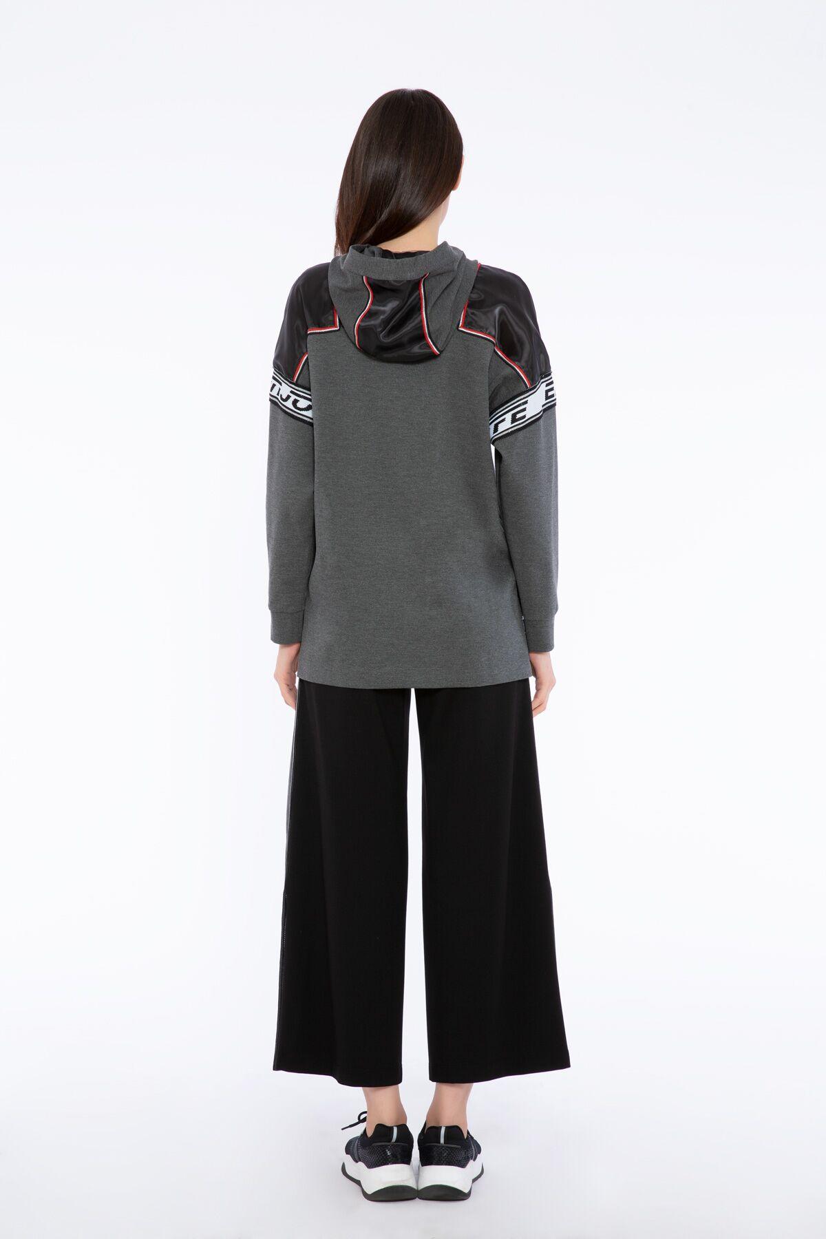 Transparan Omuz ve Şerit Detaylı Gri Kapüşonlu Sweatshirt