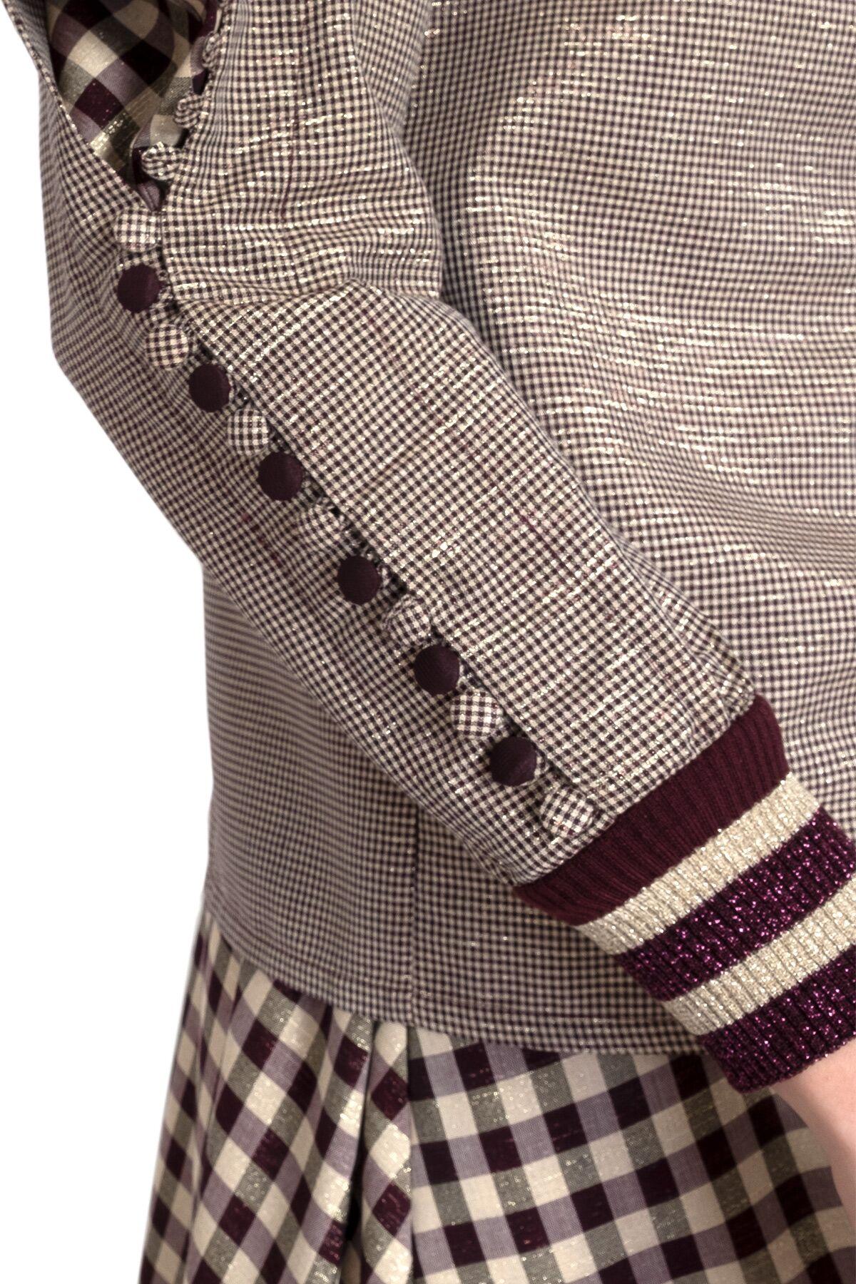 Triko Yaka ve Manşet Detaylı Düğmeli Kollu Bluz