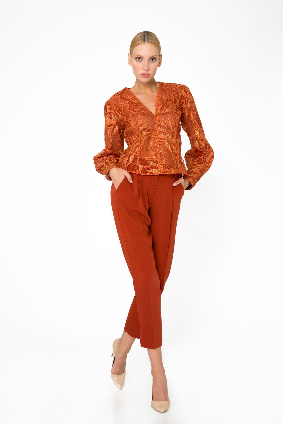 Şerit Detaylı Dantel Bluz