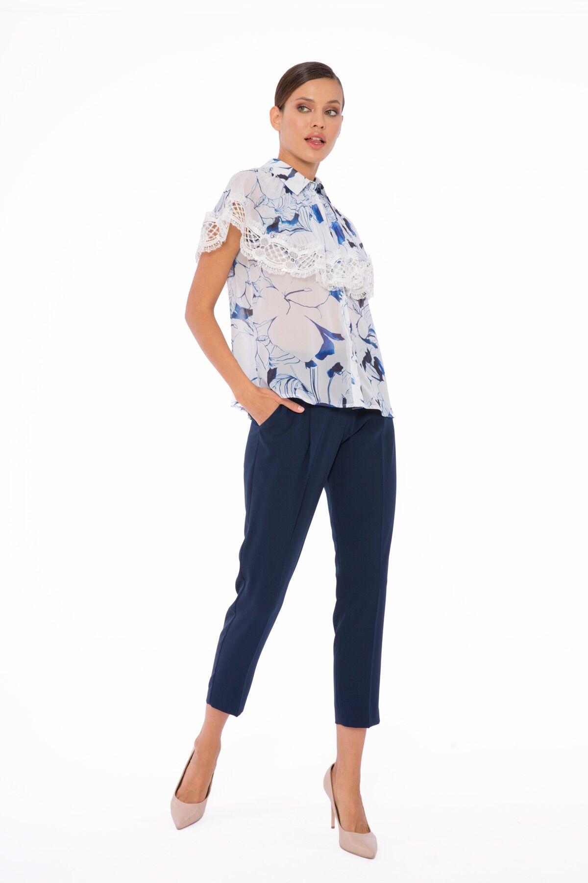 Dantelli Çiçek Desenli Şifon Bluz