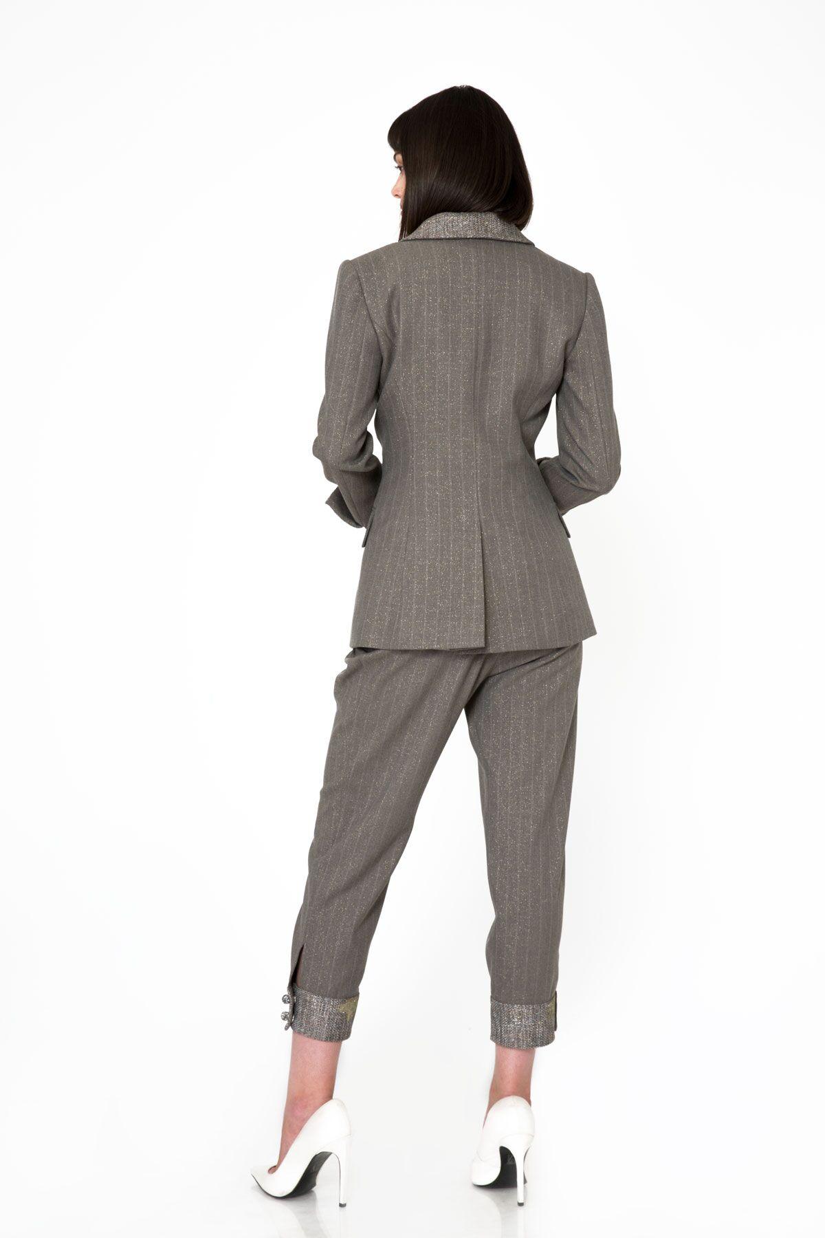 Metalik Yaka ve Bilek Detaylı Gri Blazer Ceket