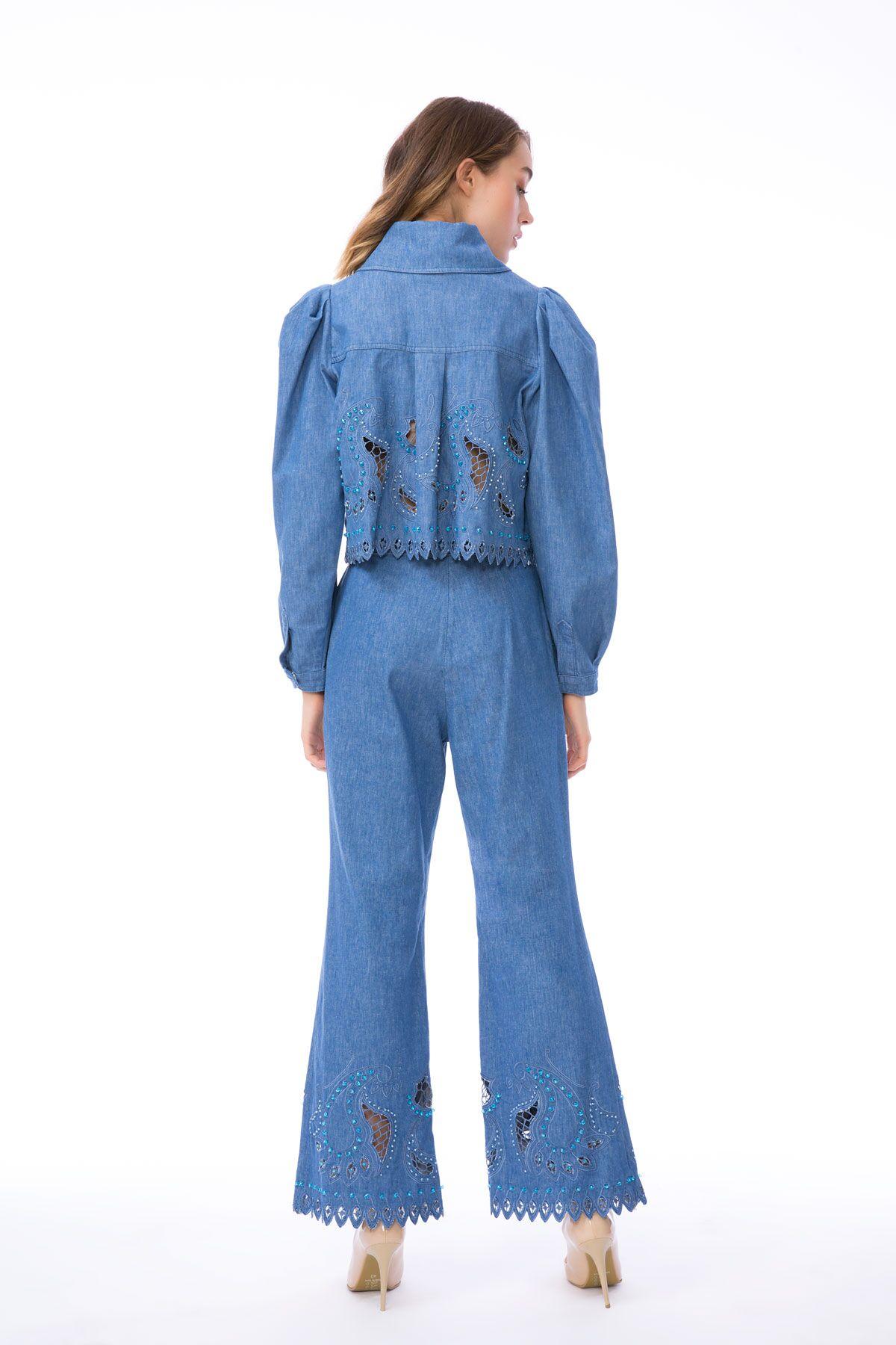 İşleme Detaylı Kısa Jean Ceket