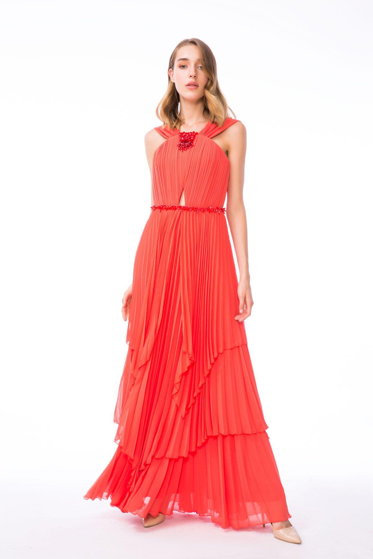 Taş İşleme Detaylı Uzun Kırmızı Elbise