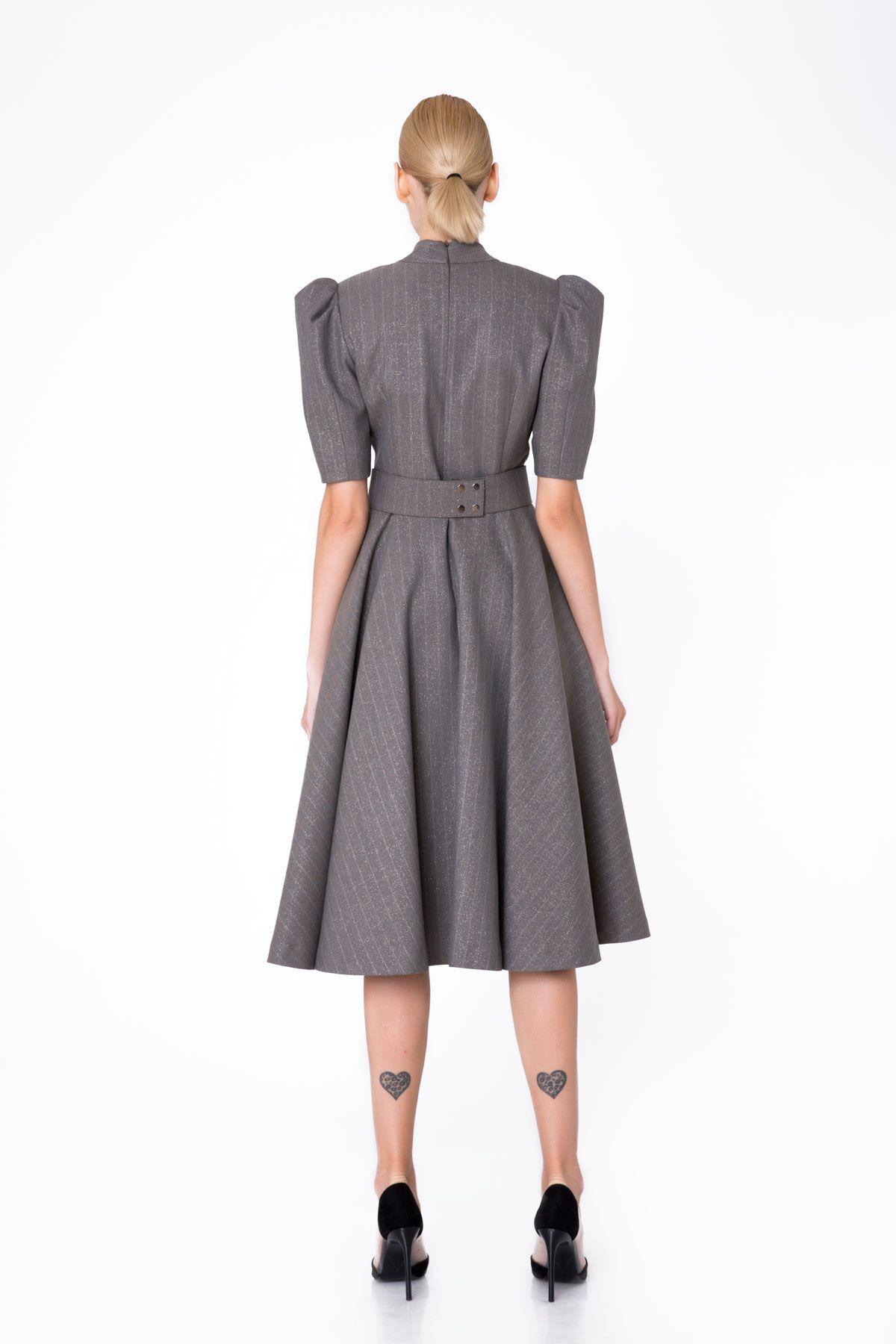 Taş İşleme Detaylı Kloş Etekli Midi Elbise
