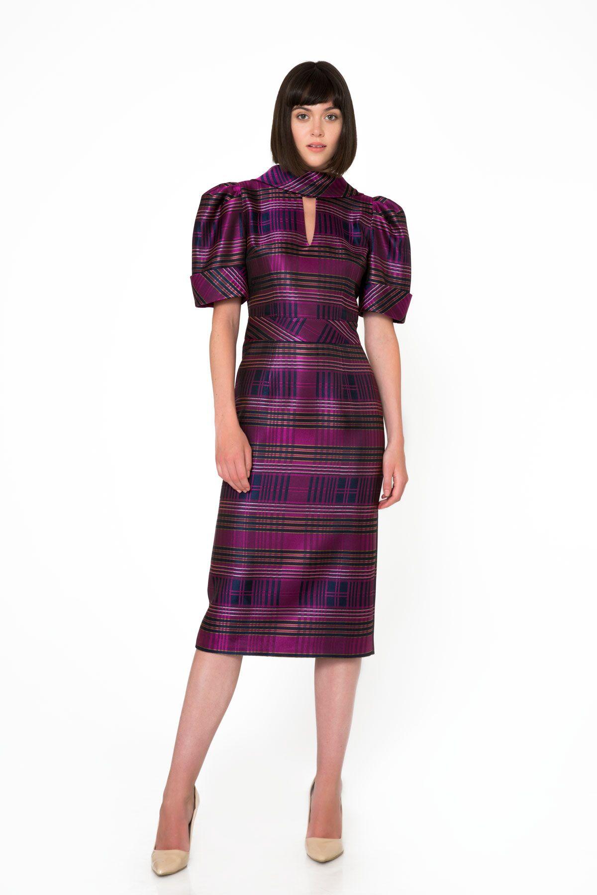 Yaka Detaylı Ekose Desenli Midi Mor Elbise