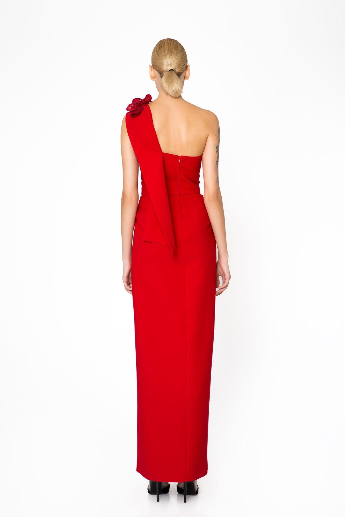 Tek Omuz Asimetrik Yırtmaçlı Kırmızı Gece Elbisesi