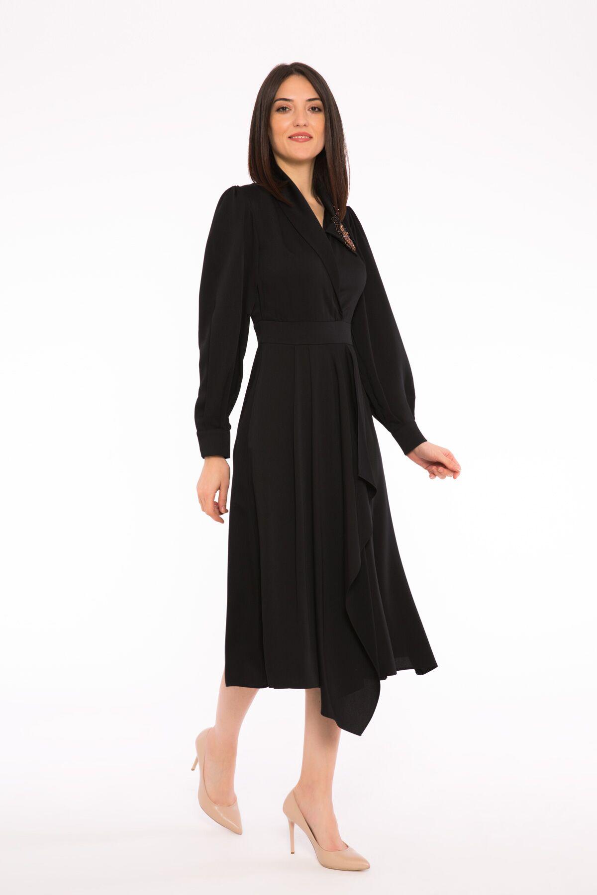Nakış Detaylı Asimetrik Etekli Kalın Saten Elbise