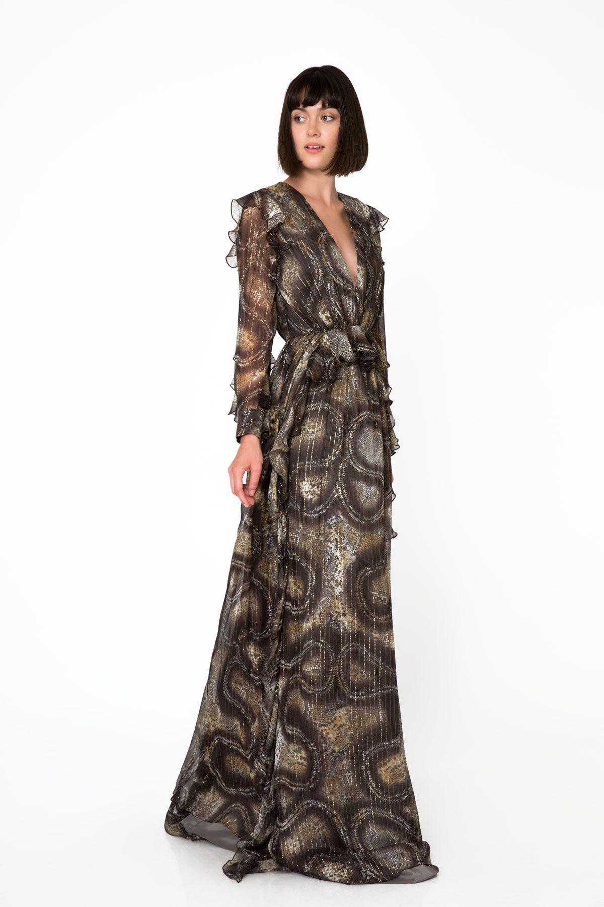 Derin V Yakalı Volan Detaylı Simli Yılan Desenli Uzun Şifon Elbise