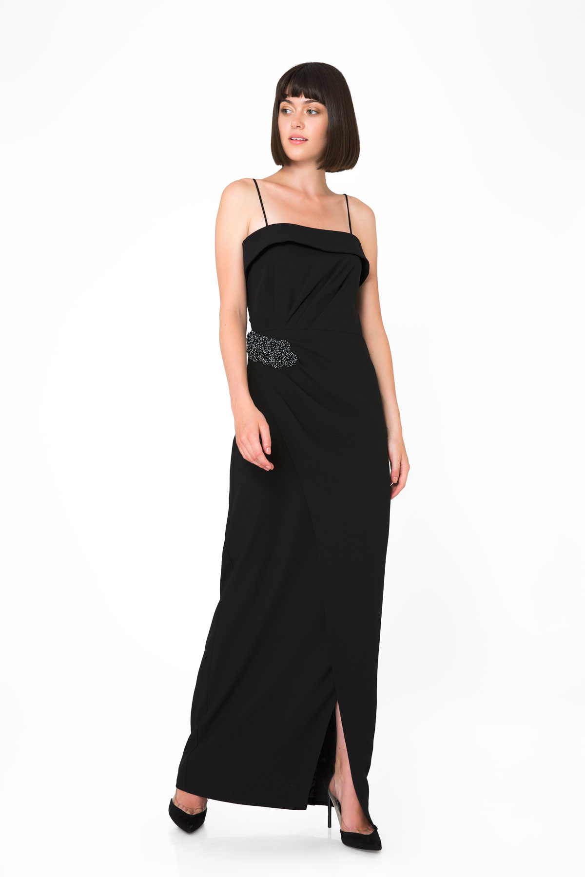 İşleme Detaylı Straplez Siyah Abiye Elbise