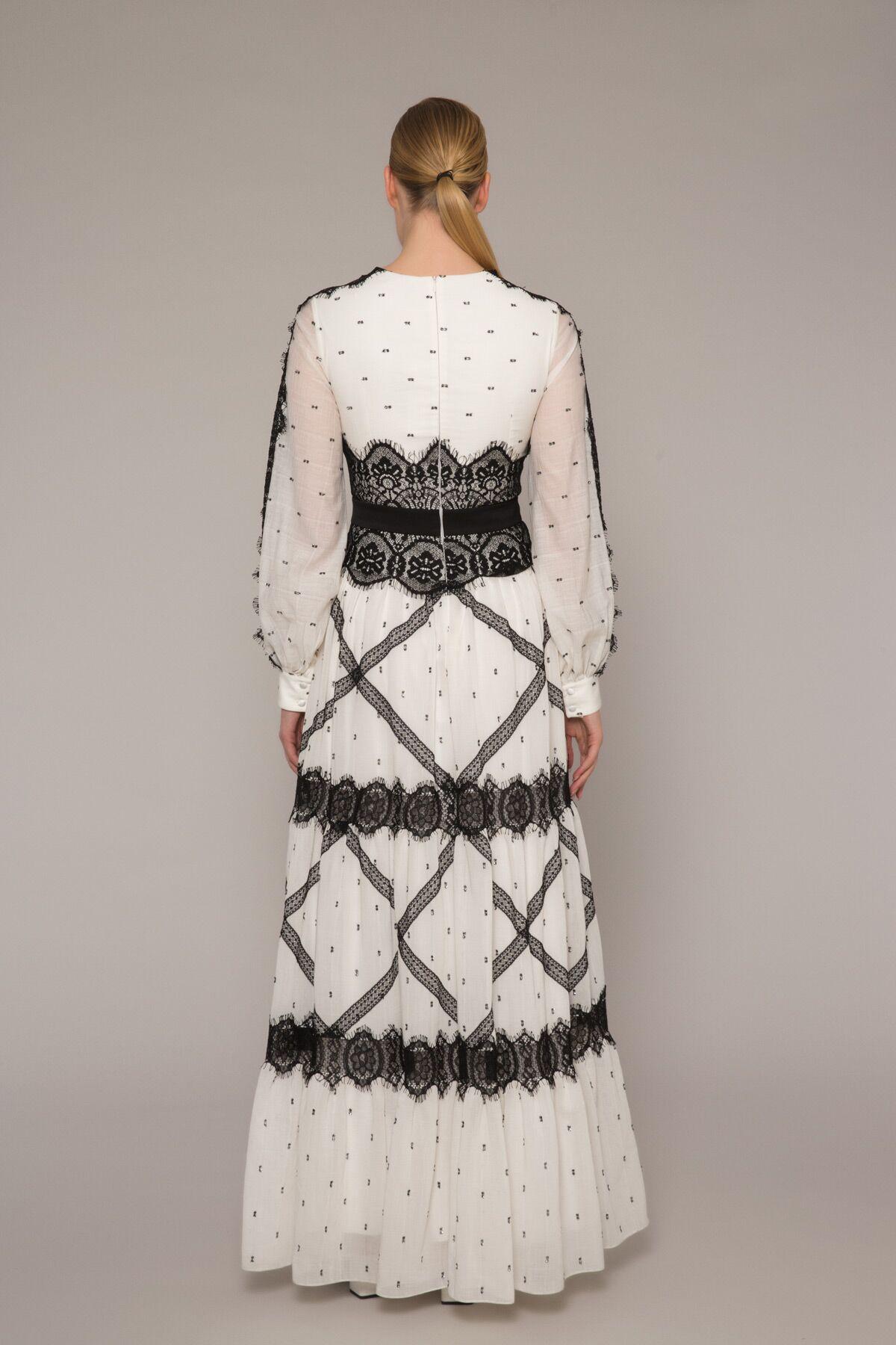Şerit Dantelli Büzgülü Puanlı Uzun Elbise