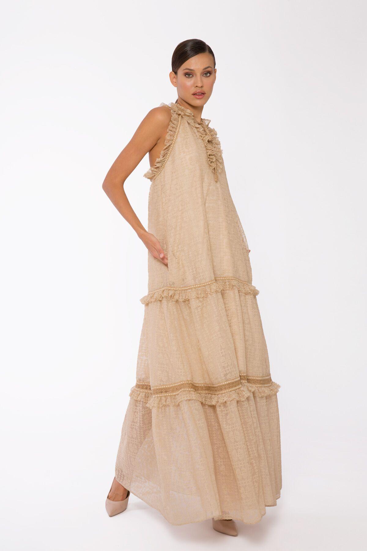 Şerit Ve Fırfır Detaylı, Bağlamalı Tasma Yakalı, Uzun Büzgülü Tül Elbise