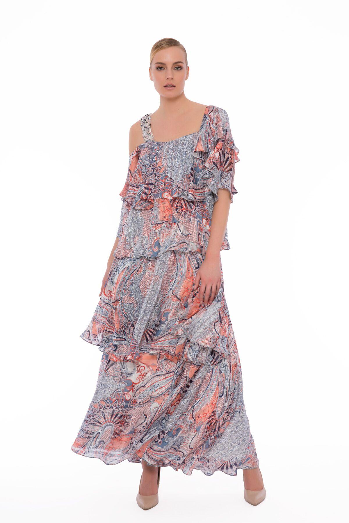 Omuz Askısı İşlemeli Off Shoulder Katlı Desenli Şifon Elbise