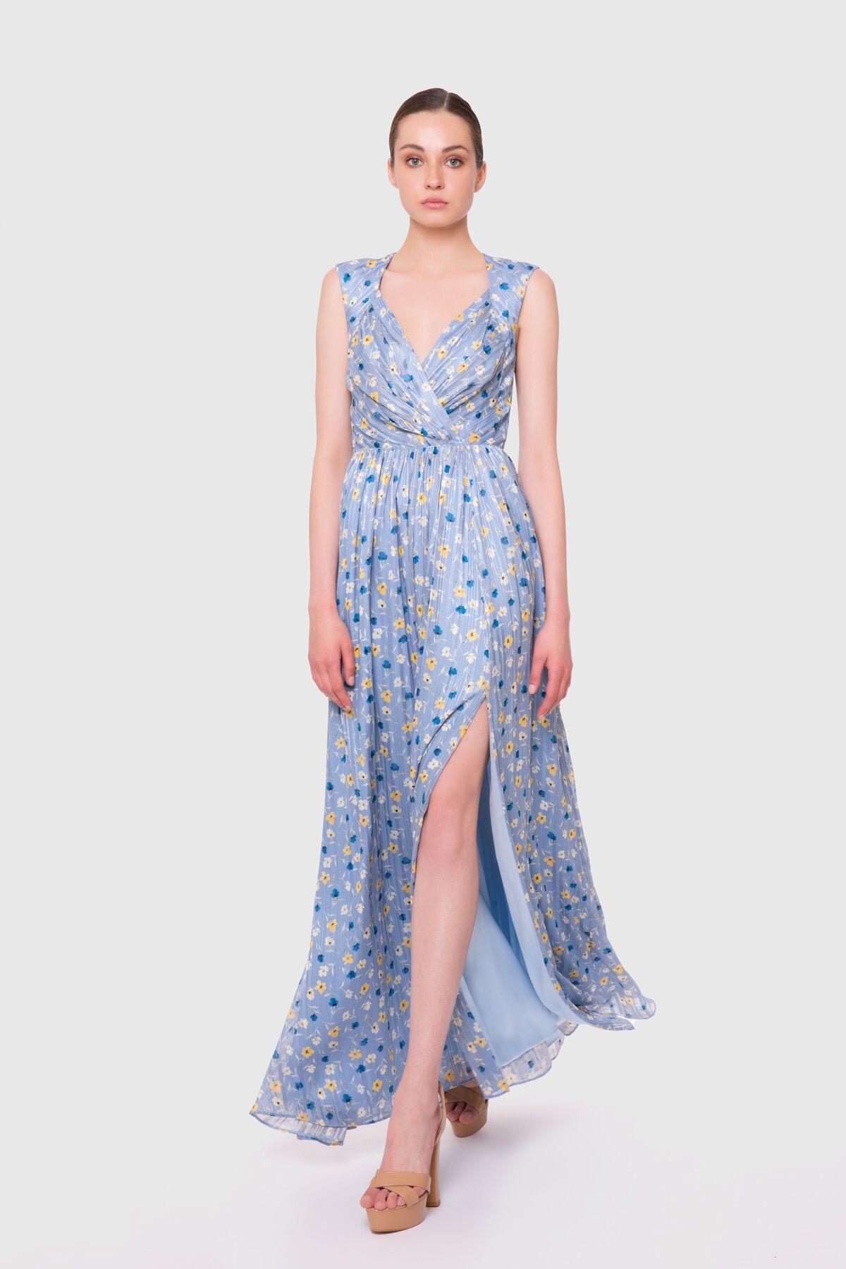 Sırtı Açık Uzun Şifon Elbise