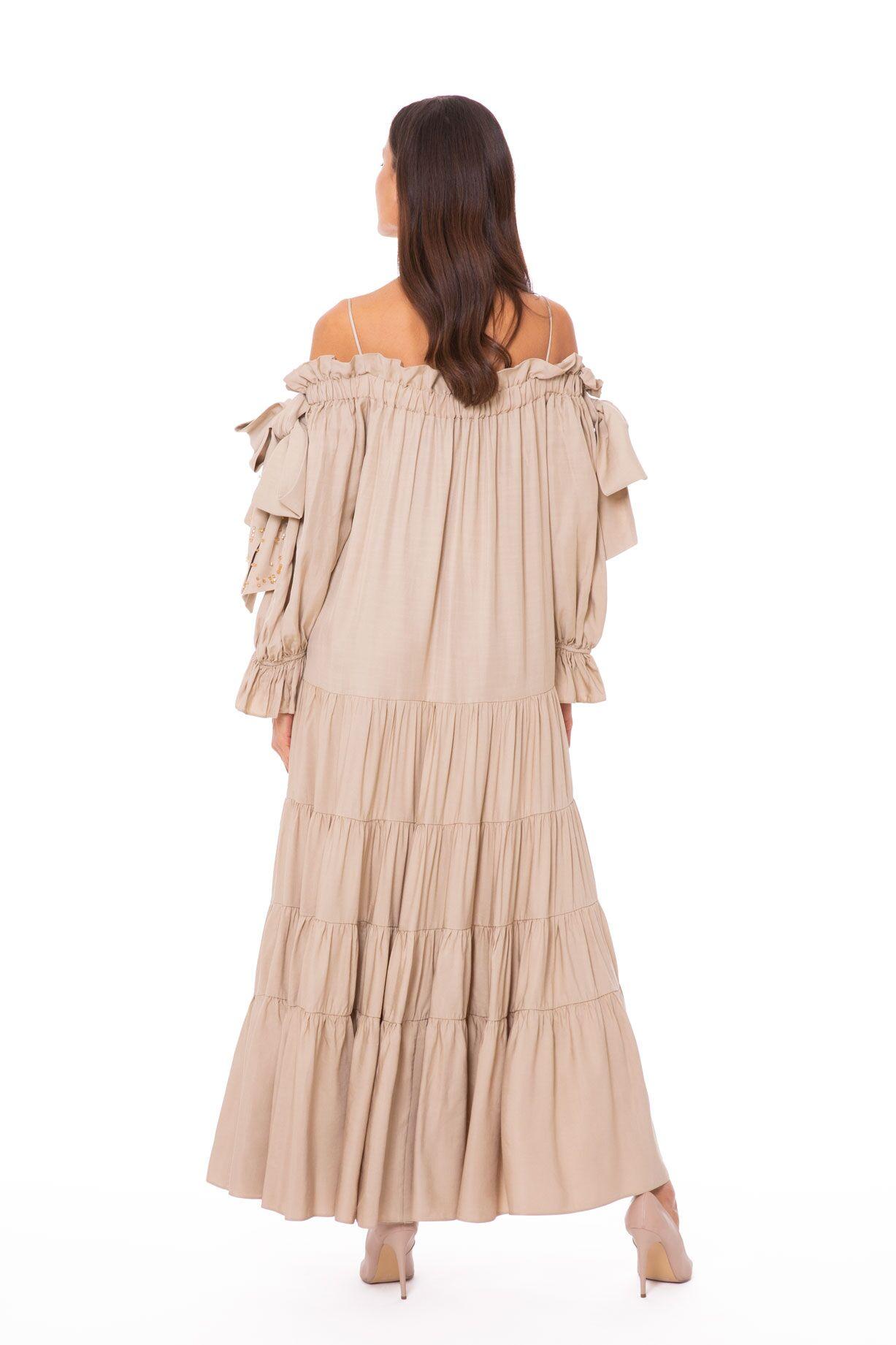 Fiyonk Detaylı, İşlemeli Uzun Elbise