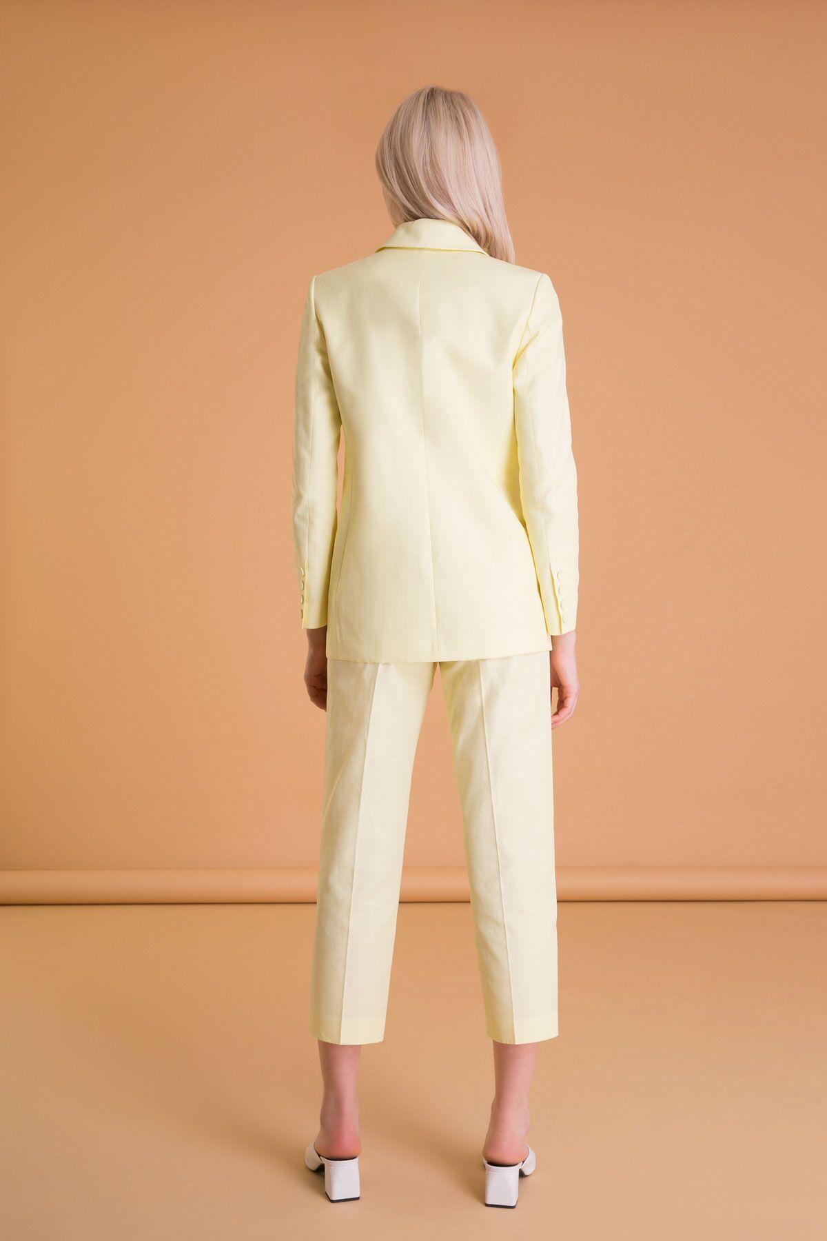 Broş Detaylı Blazer Ceket
