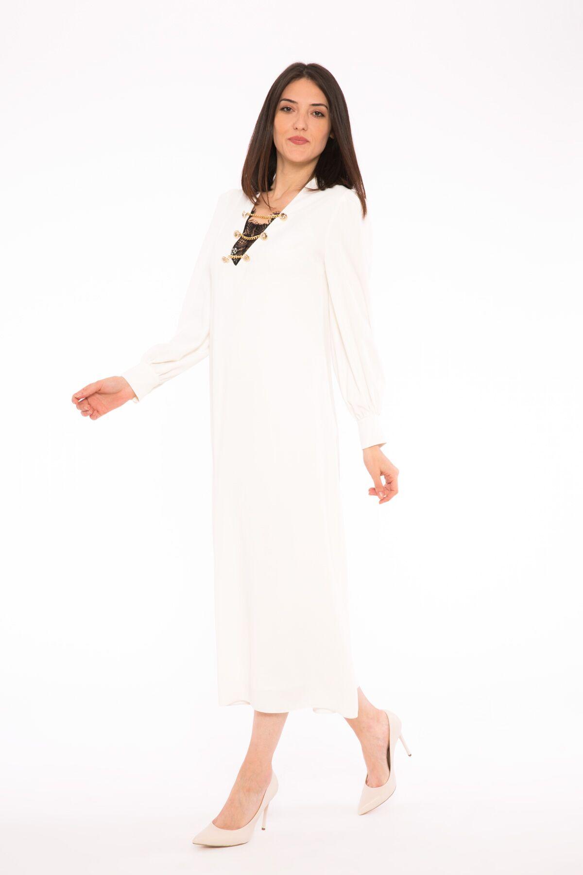 Düğme Zincir Desenli İç Dantel Elbiseli V Yaka Uzun Elbise