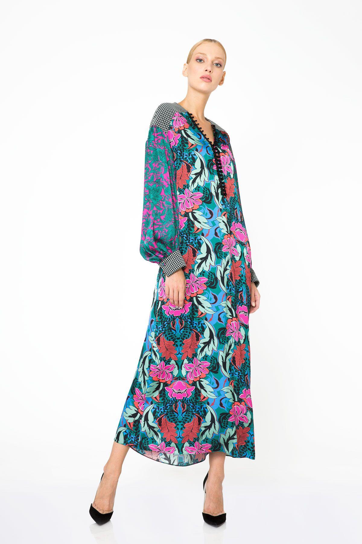 Çiçek Desenli Uzun Kollu Renkli Uzun Elbise