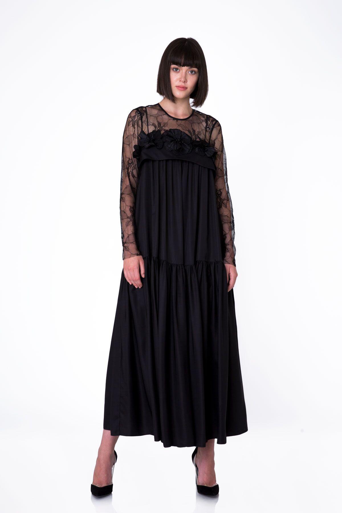 Dantel Üst Detaylı Çiçek Aplikeli Uzun Siyah Elbise