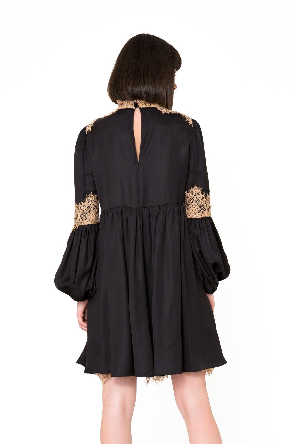 Dantel Detaylı Siyah Midi Elbise