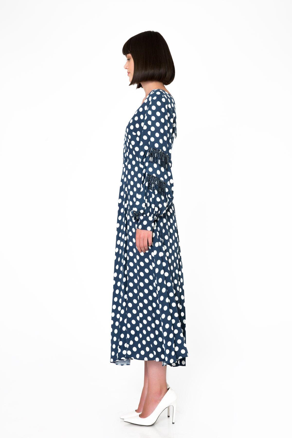 Püskül Detaylı Midi Boy Puantiyeli Lacivert Elbise