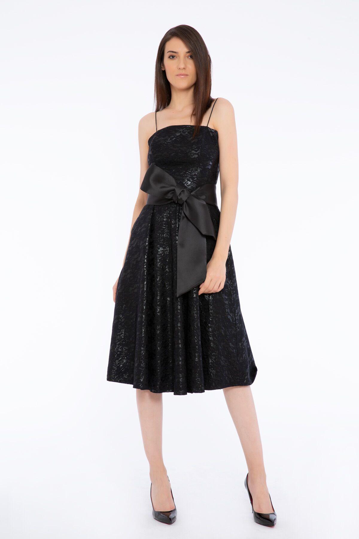 Spagetti Askılı Fiyonklu Siyah Midi Elbise