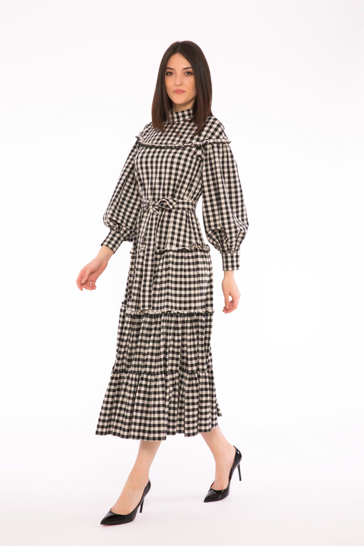 Fırfır Detaylı İşleme Aksesuarlı Uzun Elbise