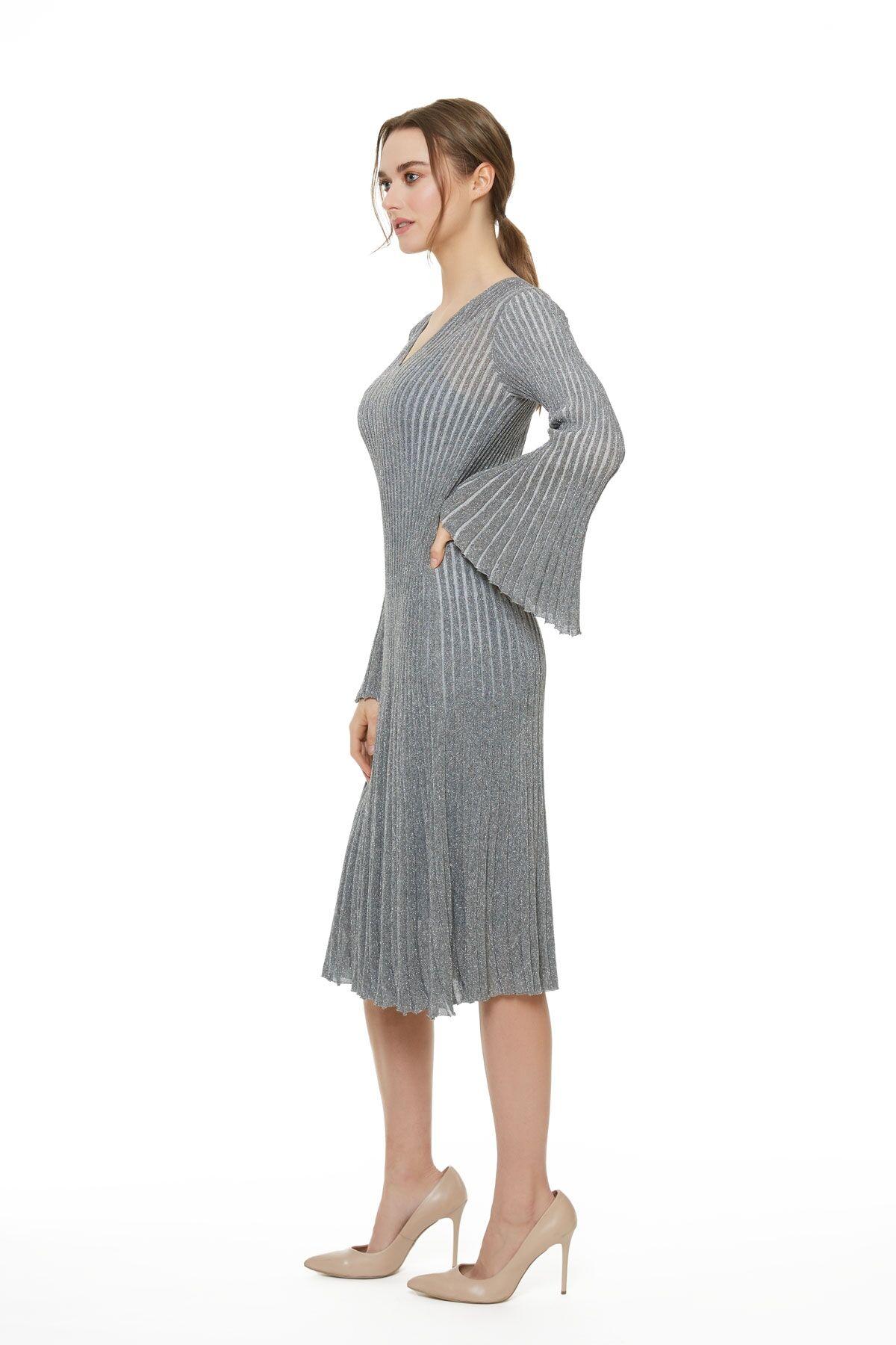 Metalik Çizgili Triko Gri Çan Elbise