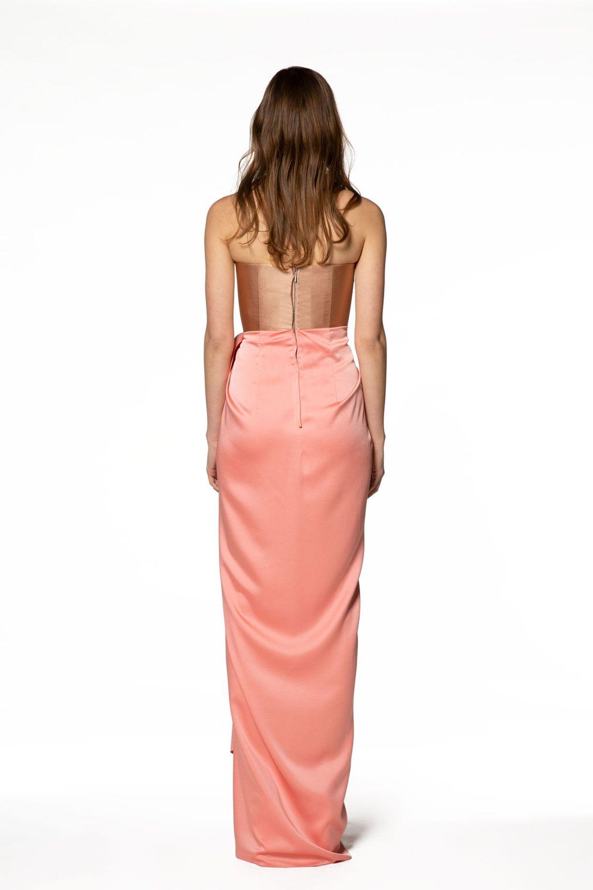 Metalik Kumaş Detaylı Straplez Uzun Elbise