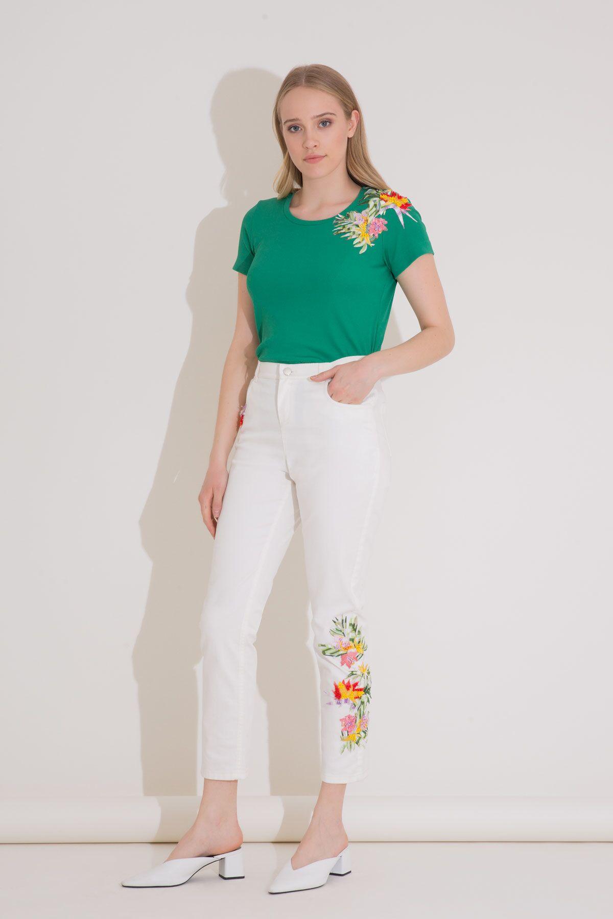 Nakış İşleme Detaylı Beyaz Jean Pantolon