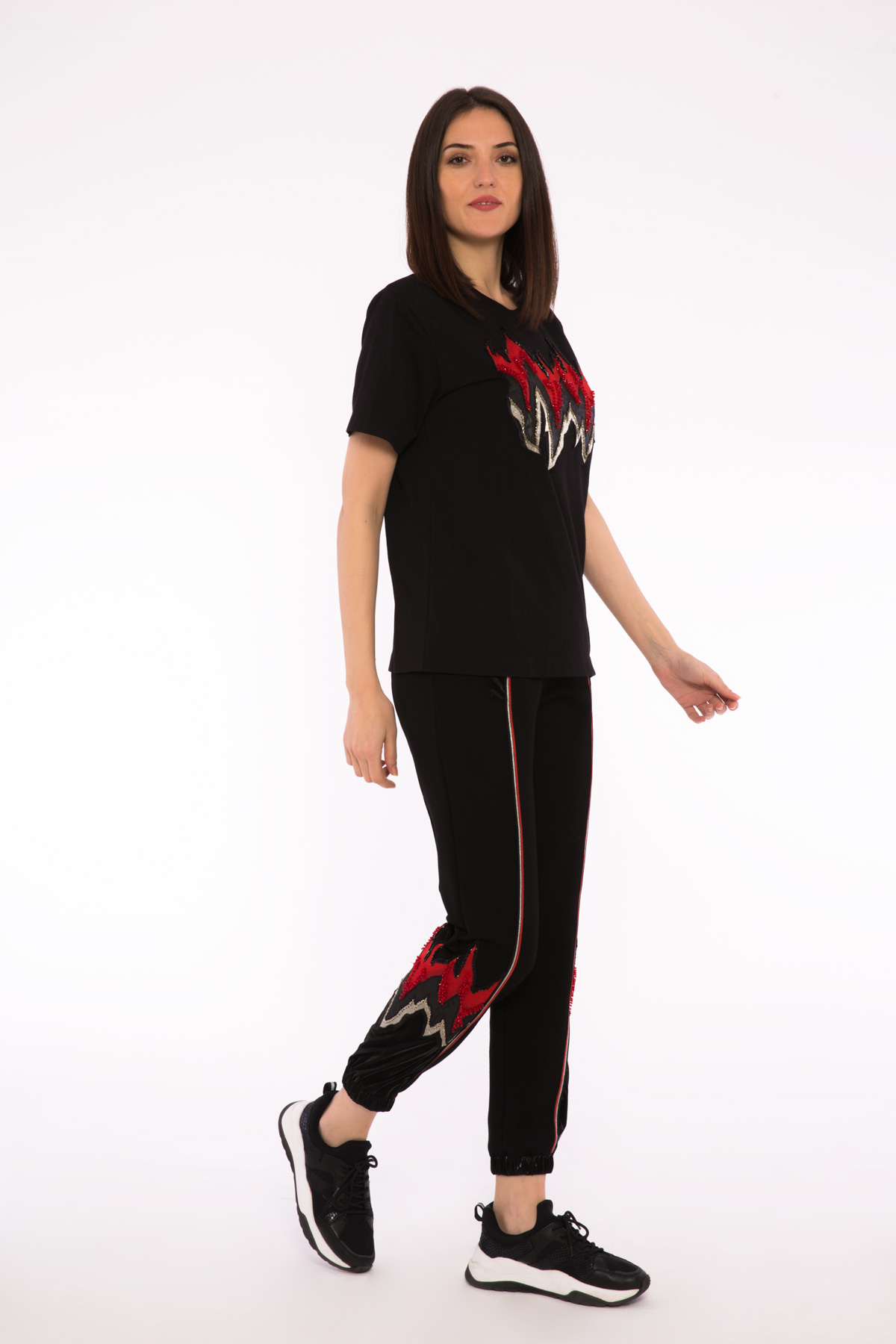 Nakış Detaylı Siyah Jogger Pantolon