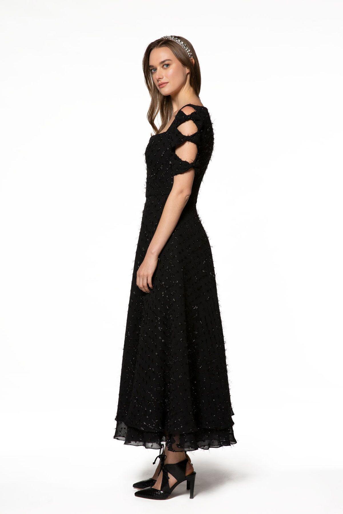 Omuz Detaylı, İşlemeli Siyah Uzun Elbise