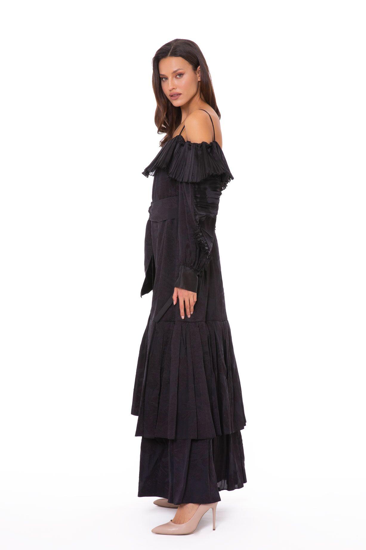 Organze Plise Fırfır Detaylı Kuşaklı Uzun Siyah Elbise