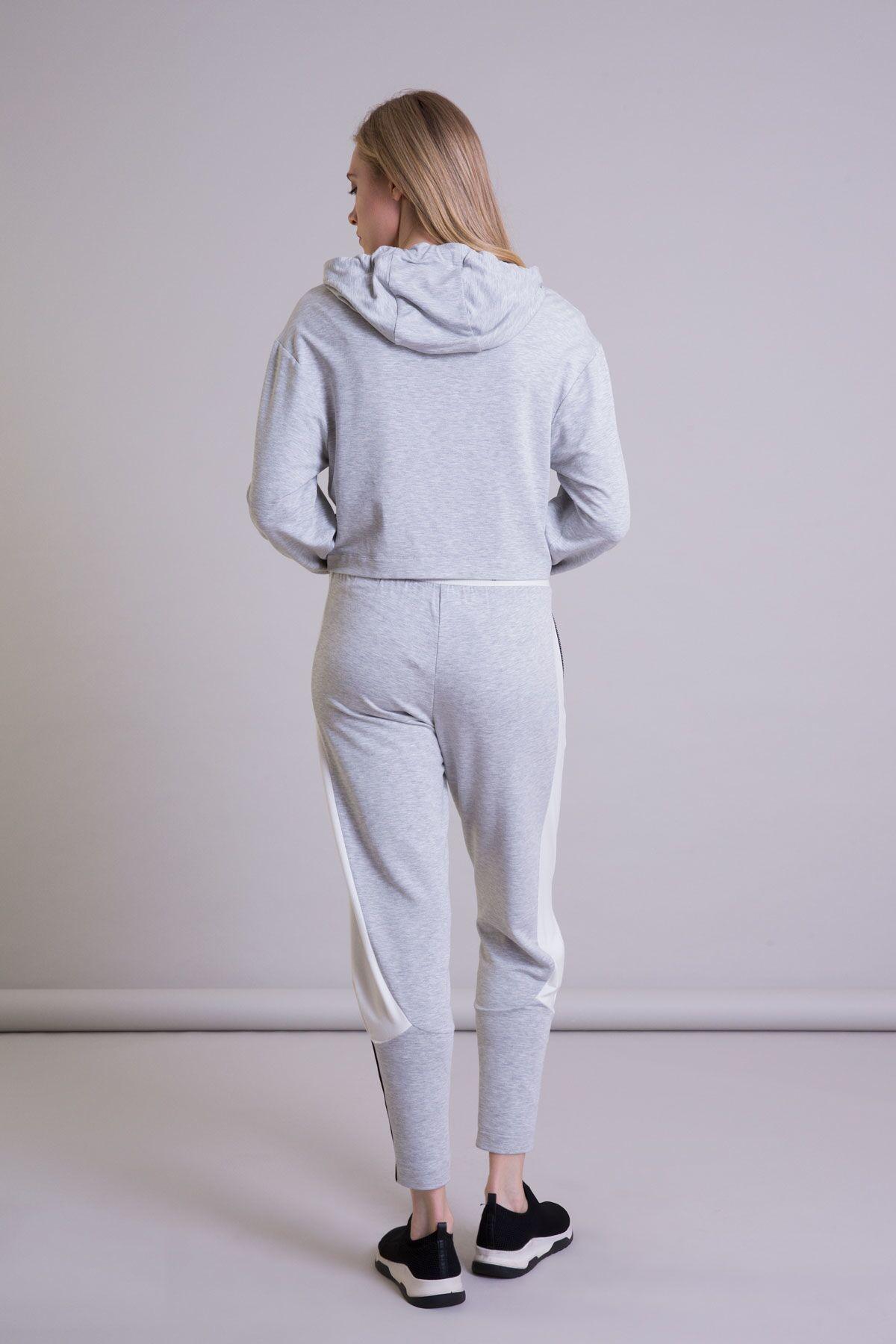 Palmiye Detaylı Gri Crop Kapüşonlu Sweatshirt