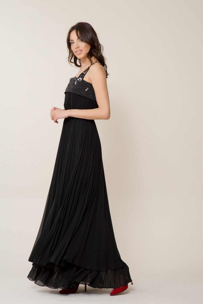 Pul Detaylı Siyah Uzun Elbise