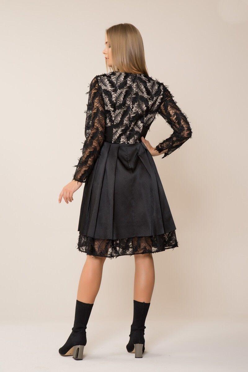 Püskül Detaylı Siyah Elbise