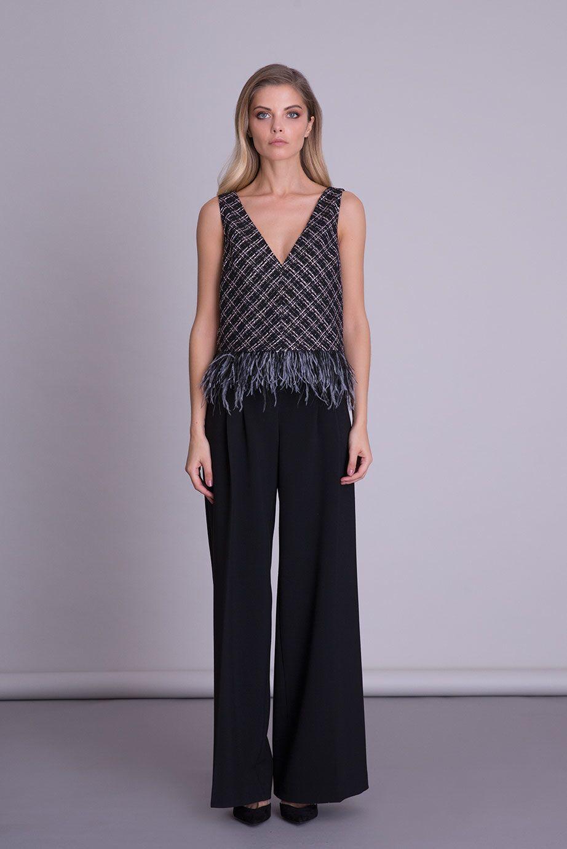 Püskül Detaylı V Yaka Askılı Siyah Tweed Bluz