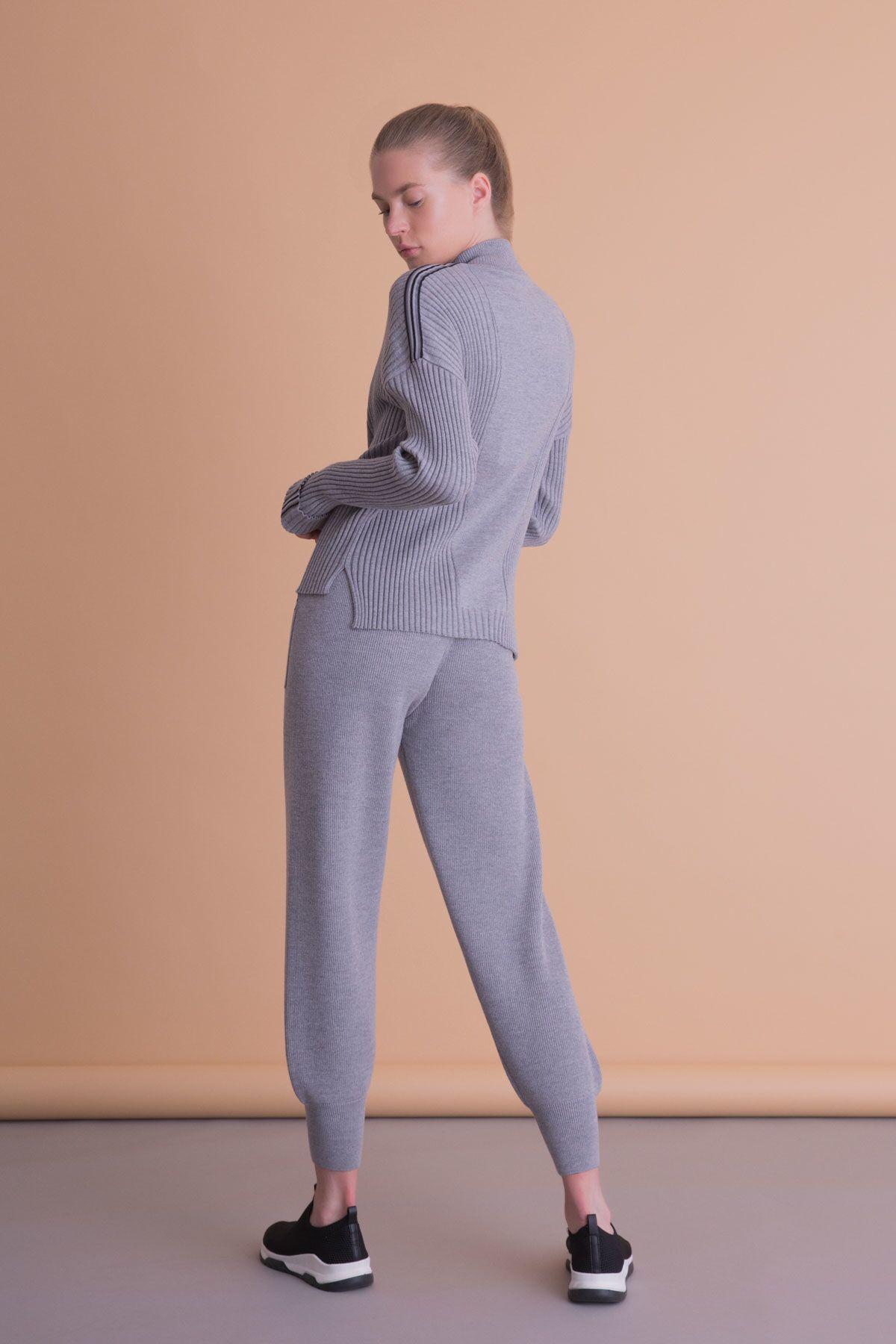 Şerit Detaylı Fermuarlı Gri Triko Sweatshirt